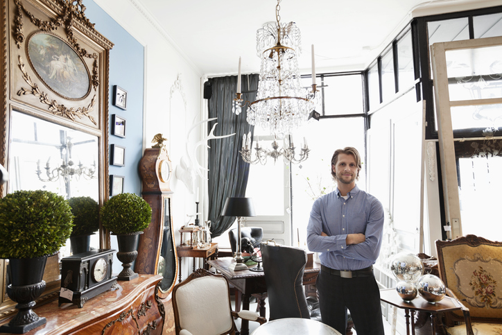 Ronati's eCommerce Manager: Bringing Antiques to the Tech World